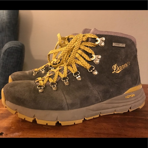 f44ab7bef Danner Shoes | Womens Mountain 600 Hiking Boots | Poshmark